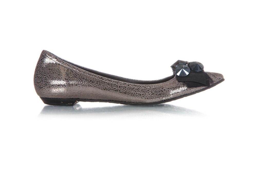 f6f9e8abdeff5a Details about BCBG Flats Size 38.5 Metallic Gray Silver Black Embellished  Pointed Toe Shoes