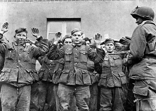 """American Soldier with German Prisoners POW 5""""x 7"""" World ..."""