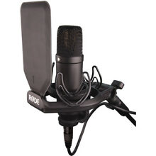Rode NT1 Complete Recording Kit Cardioid Condenser Microphone w/ SMR Shockmount