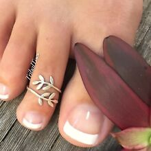 Sterling Silver 925 Wraparound Leaf Vine Toe Ring Midi Open Adjustable Boho Feet