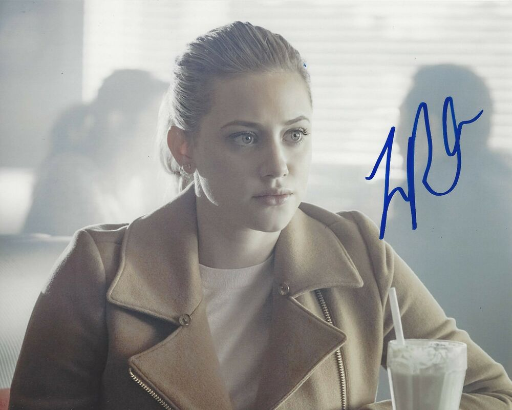 Actress Lili Reinhart Signed Riverdale 8x10 Photo W Coa Betty Cooper