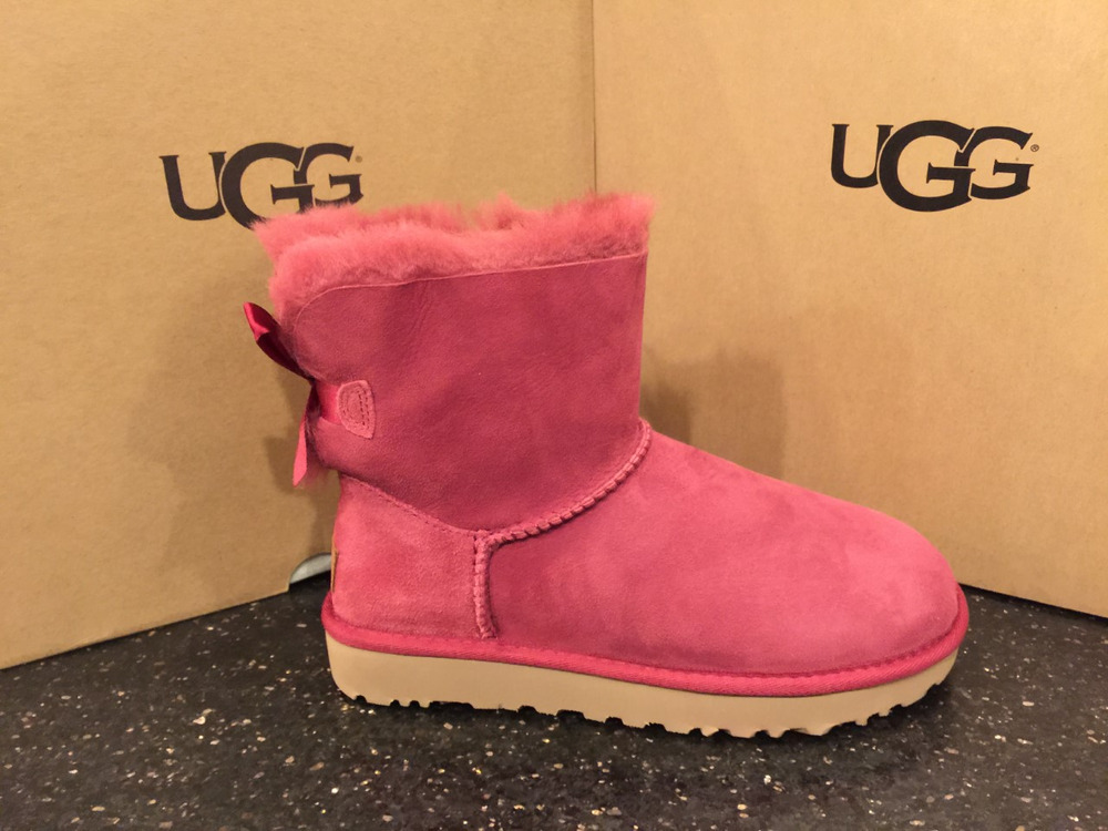 Amazing Deal on Women's UGG Mini Bailey Bow II Garnet