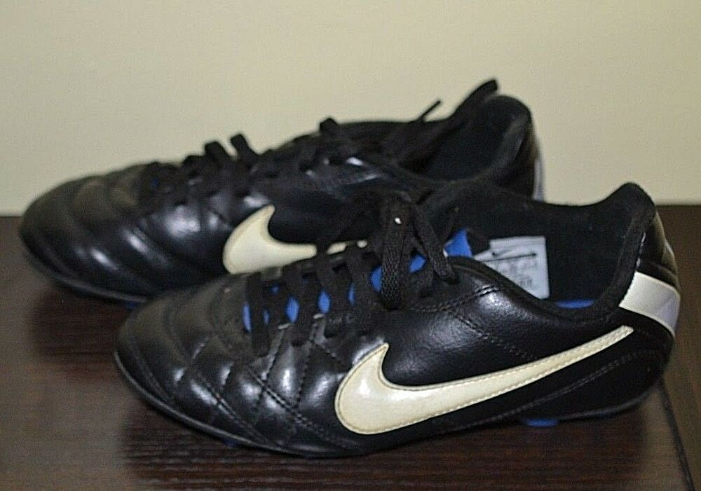 5ae1795bfd6c Details about Nike Black Soccer Cleats Boys or Girls Soccer Shoe Size 2.5  Youth 2.5Y
