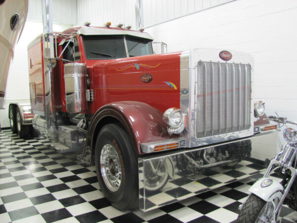 1998 PETERBUILT - TRUCK SHOW QUALITY!!!  MINT CONDITION!!!