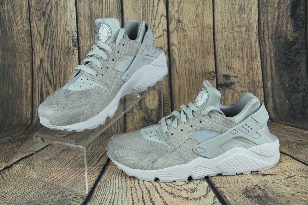 91384cbe768a Details about Nike Air Huarache Run Premium Womens Platinum Snake Skin Shoes  683818-014 Sz 10