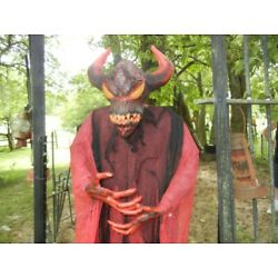 ANIMATED LIFE SIZE 6 FOOT 8 INCH HORNED GROWLING DEVIL HALLOWEEN PROP