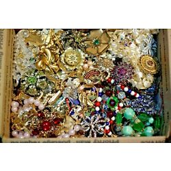Kyпить Jewelry Vintage Modern Huge Lot ALL GOOD Wearable RESELL Over One Full Pound Mix на еВаy.соm