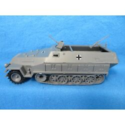 Kyпить Classic Toy Soldiers/Airfix 1/32 WWII German Hanomag, armored 1/2 track in grey  на еВаy.соm