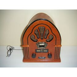 Crosley Harco CR68 AM/FM Battery Operated Radio Reproduction