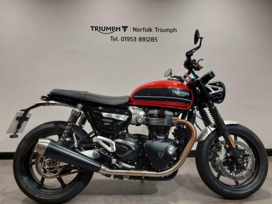 2019 Triumph Speed Twin 1 Owner, FSH, Just 1869miles Petrol red Manual