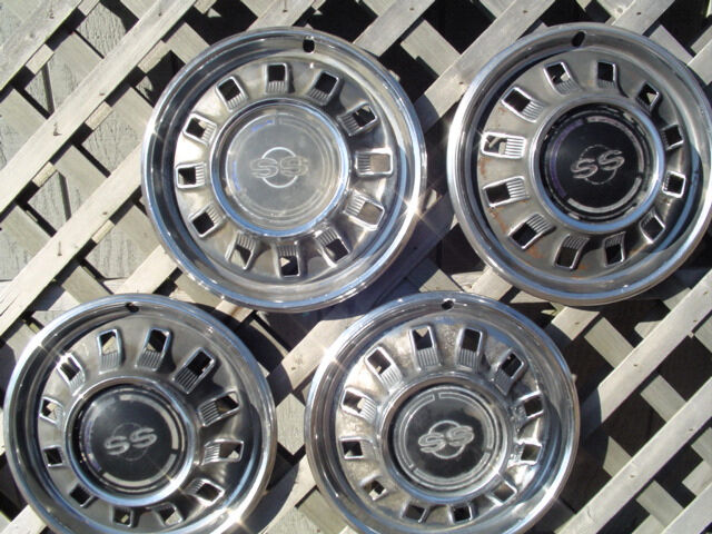 1967 67 Chevrolet Chevy Ss Impala Hubcaps Wheel Covers Ebay