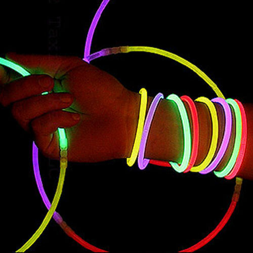 100 10 glow stick bracelet toy party favor glowsticks ebay. Black Bedroom Furniture Sets. Home Design Ideas