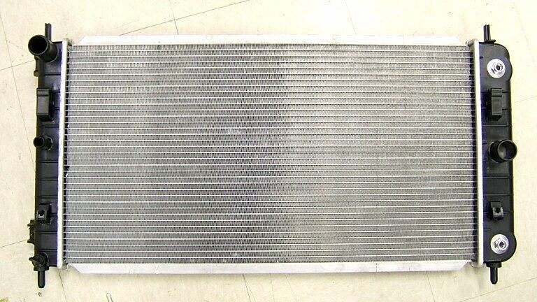 Radiator For Chevy Malibu 2004 2005 2006 N  A 3 5l V6