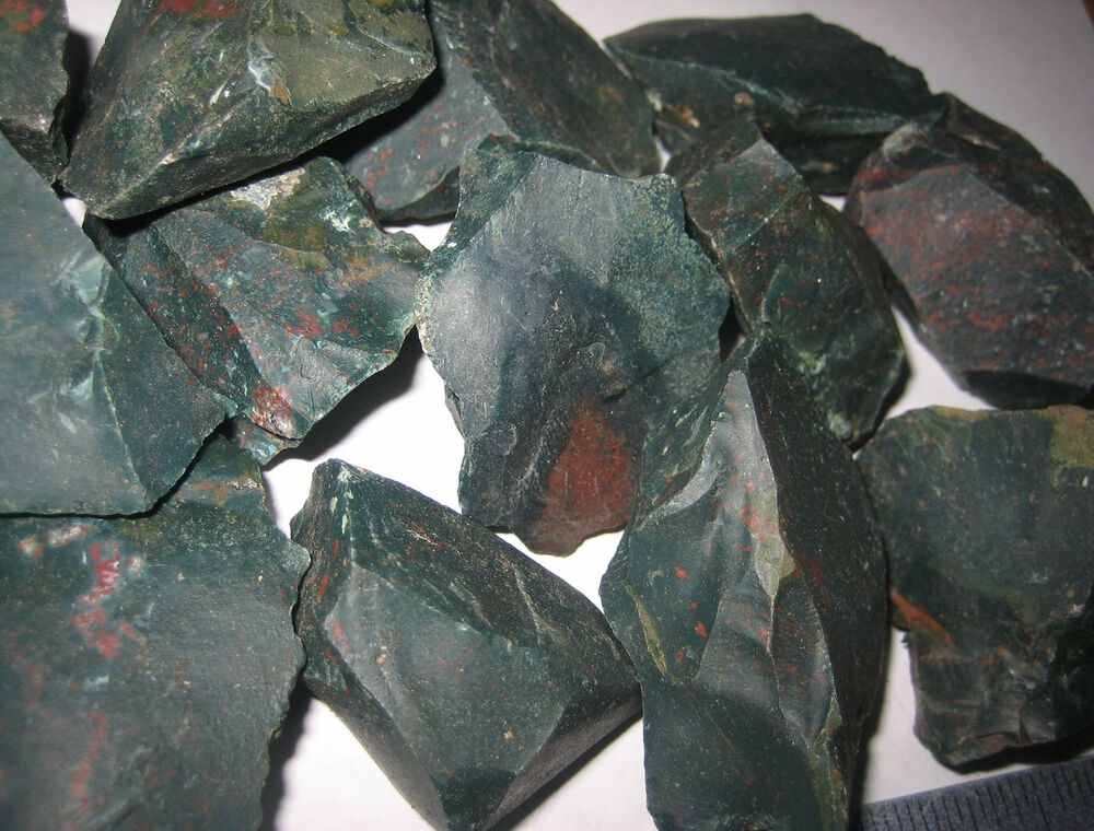 1lb a natural rough 1 2 bloodstone raw crystal stone minerals heliotrope india ebay. Black Bedroom Furniture Sets. Home Design Ideas