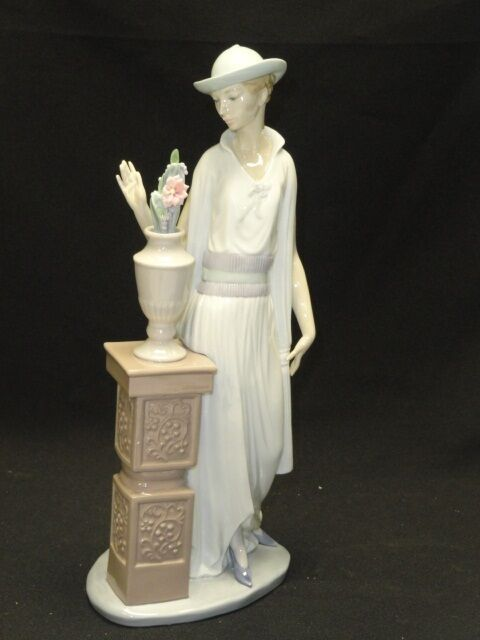 large vintage lladro  u0026quot lady grand casino  u0026quot  no  5175