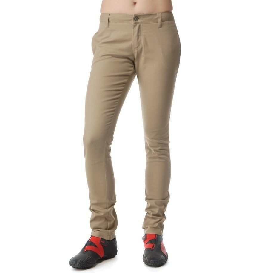 Model At Street Shops, Youll Find Everything From Khaki Skinny Jeans To Loose  Scroll Down To Find Out How To Wear Khaki Pants And What All You Can Pair It Up With For A Casual Outing, Wear Khaki Pants For Women With A Floral Printed Shirt