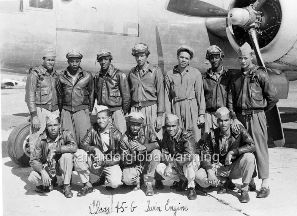 photo ww2 1940s african american pilots tuskegee airmen class 45 g ebay. Black Bedroom Furniture Sets. Home Design Ideas