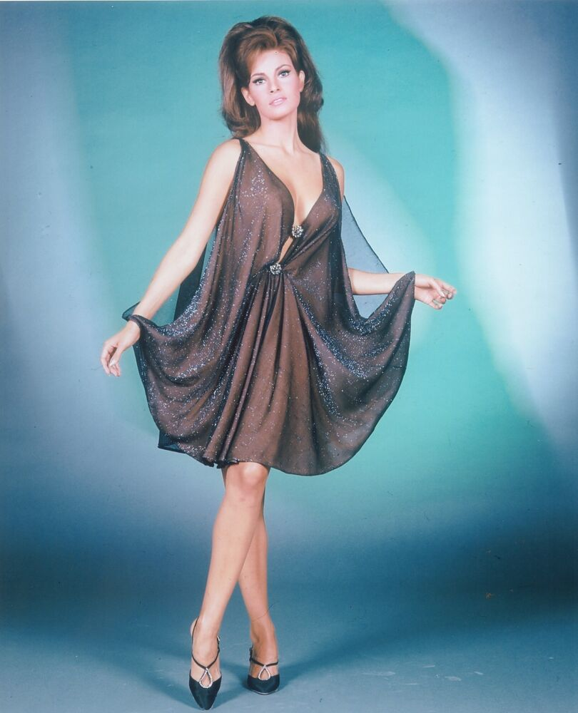 Raquel Welch As Young Sexy Starlet Great Photo  Ebay-5858