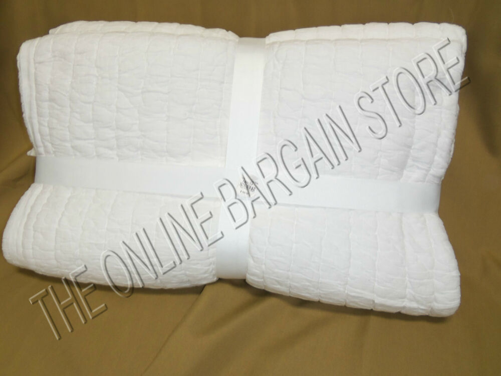 Pottery Barn White Ruched Bed Bedroom Dorm Twin Quilt