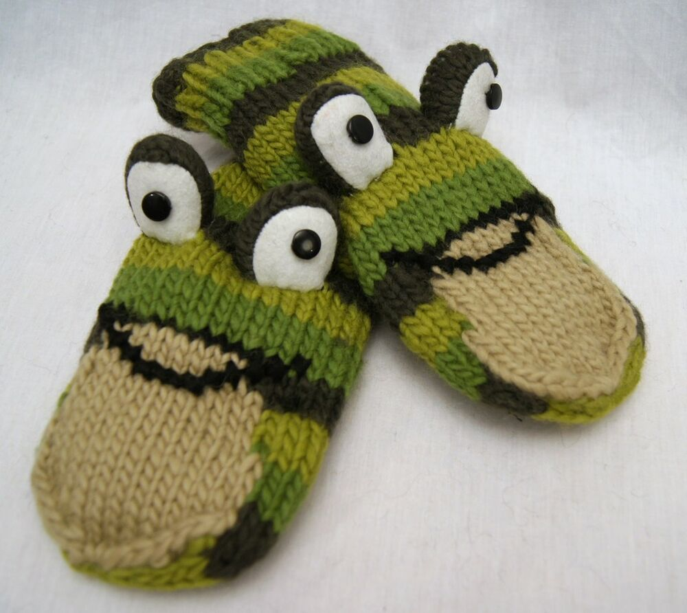 Knitting Gifts For Adults : Frog mittens knit puppet toad adult animal green gift