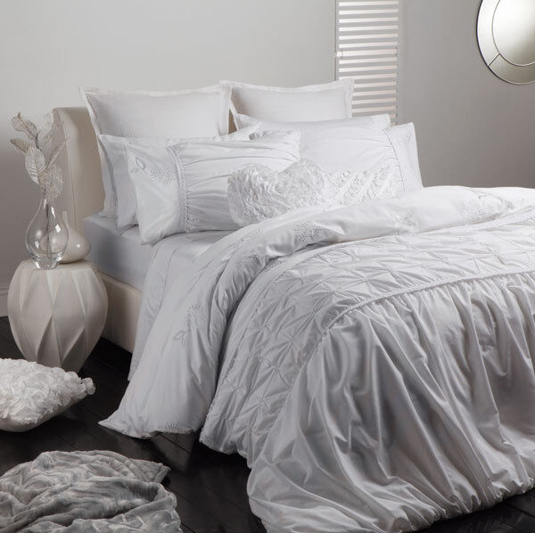 Logan And Mason Felicity White Queen Size Bed Doona Duvet