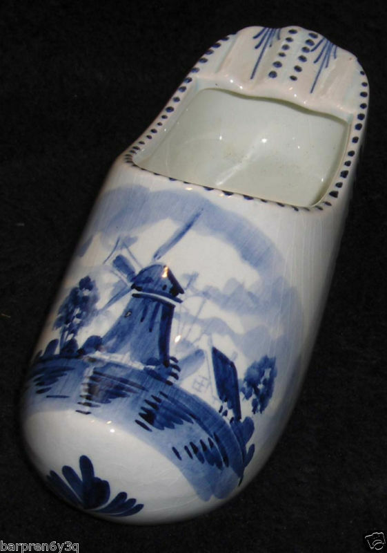 vtg delft blue  u0026 white porcelain dutch shoe figurine holland ceramic windmill