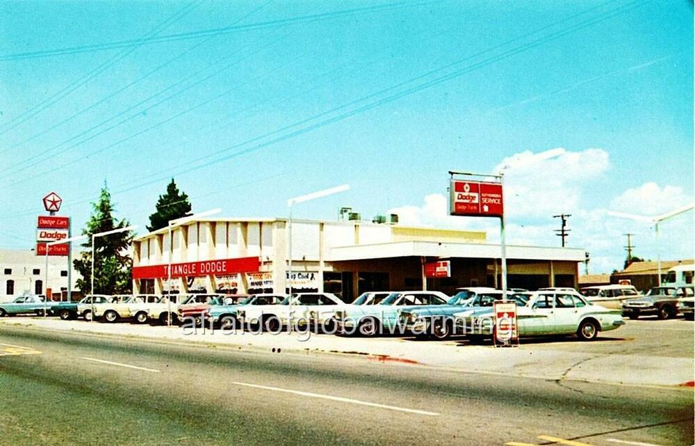 Classic Car Dealer: Photo. Ca 1967. Antioch, California. Triangle Dodge Auto