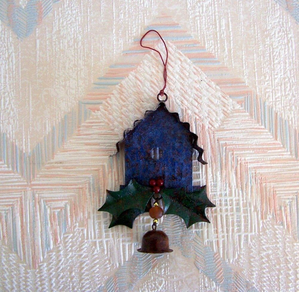 birdhouse christmas string ornament metal regal art blue birdhouse holly leaves ebay. Black Bedroom Furniture Sets. Home Design Ideas