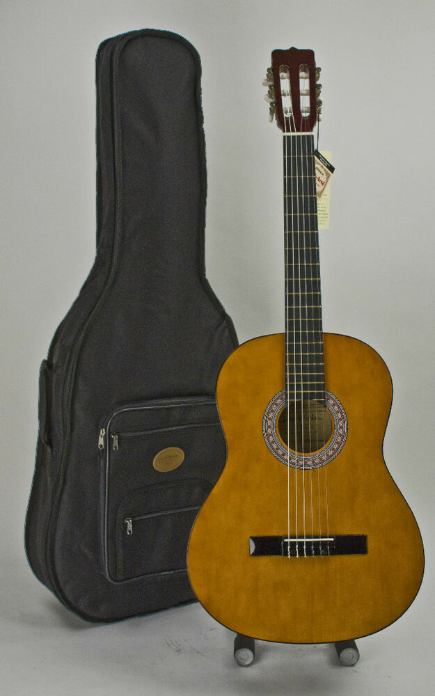 acoustic classical guitar right handed with stay in tune nylon strings case ebay. Black Bedroom Furniture Sets. Home Design Ideas