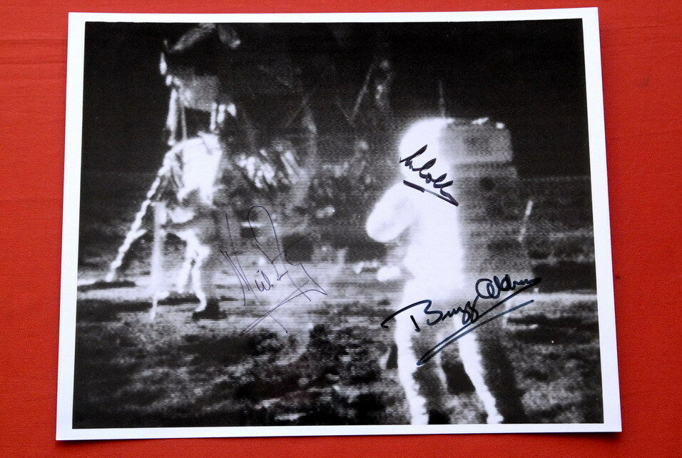 APOLLO 11 ORIGINAL NASA PHOTOGRAPH SIGNED BY NEIL ...