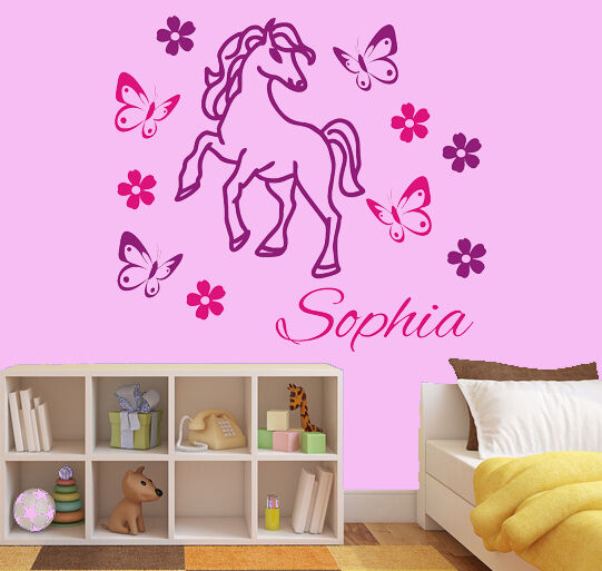 wandtattoo aufkleber kind wunschname pony pferd m dchen blumen schmetterlinge ebay. Black Bedroom Furniture Sets. Home Design Ideas
