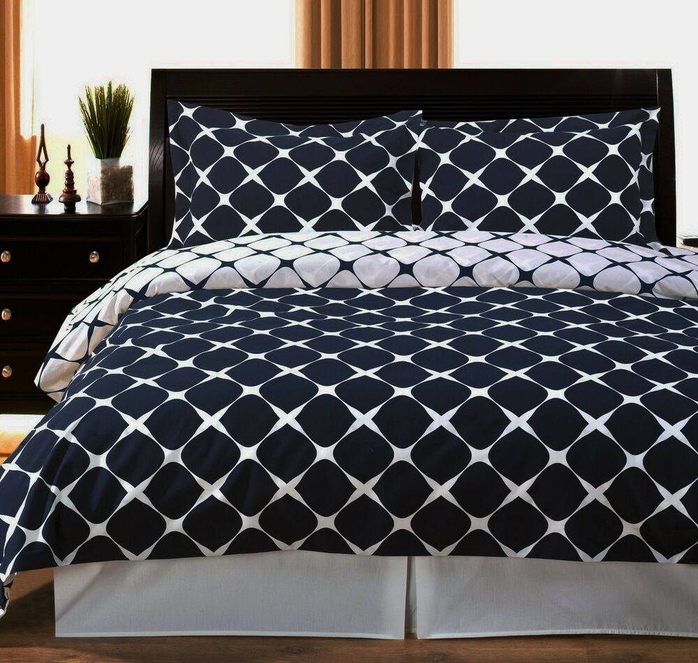 Modern Reversible Navy Blue And White 300tc Cotton Bedding