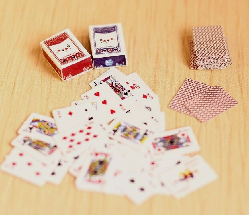Re-ment Dollhouse Miniature Games Poker For Blythe Barbie