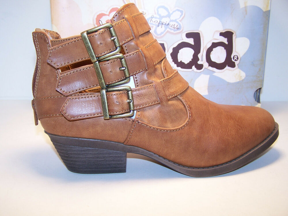 mudd wallflower womens shoes ankle boots cognac brown