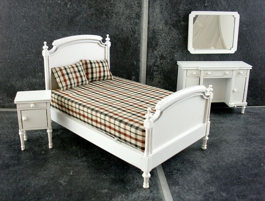 Dolls house miniature white wooden shabby chic double for Shabby chic bedroom furniture