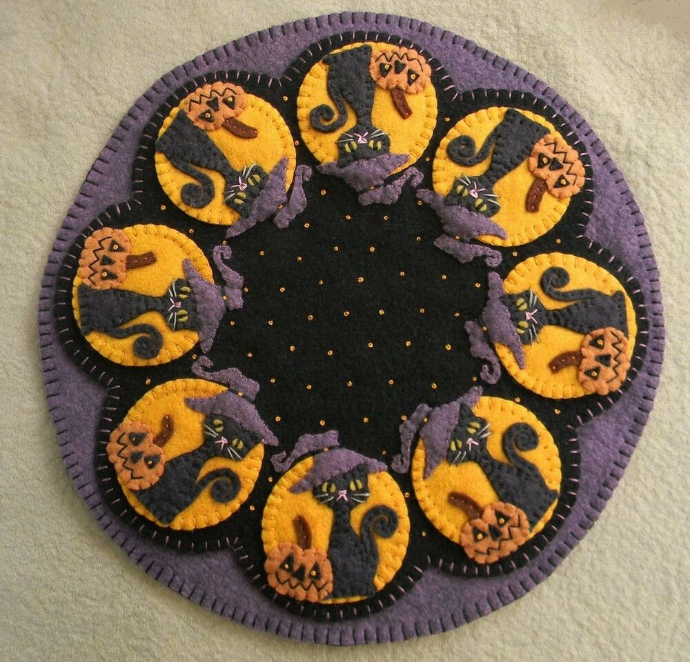 ~*PATTERN*~SpOOkY HaLLoWeEn~Penny Rug/Candle Mat~Black