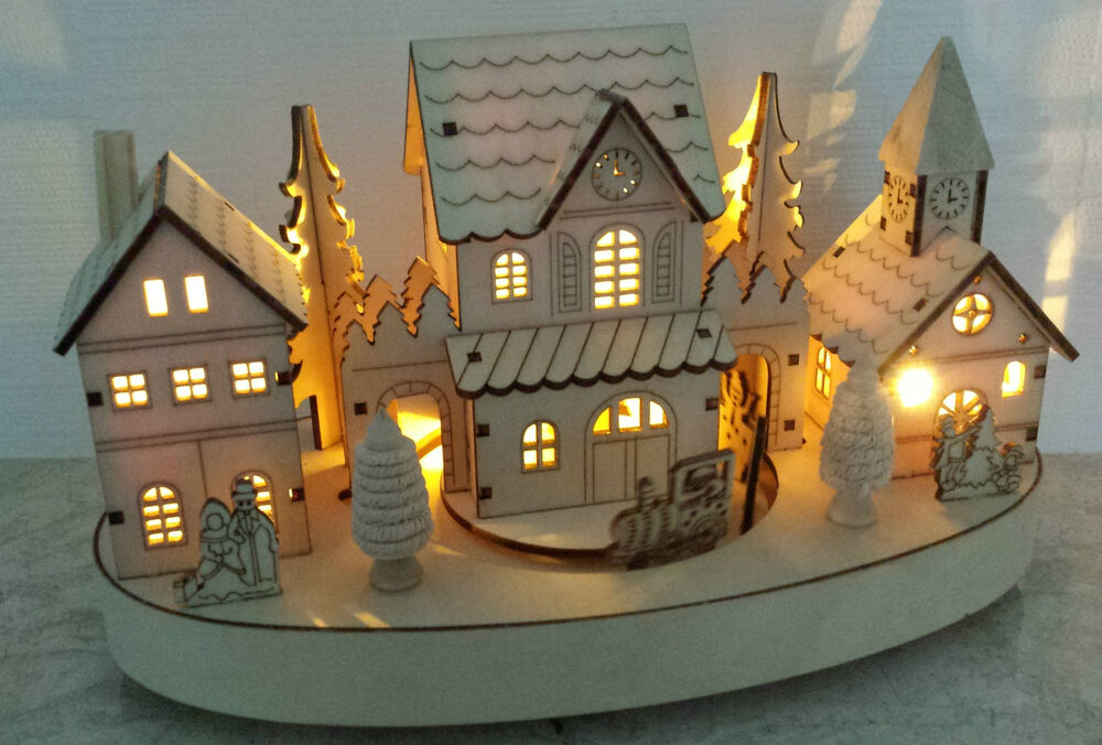 Light up christmas train village wooden decoration vintage for Model decoration maison