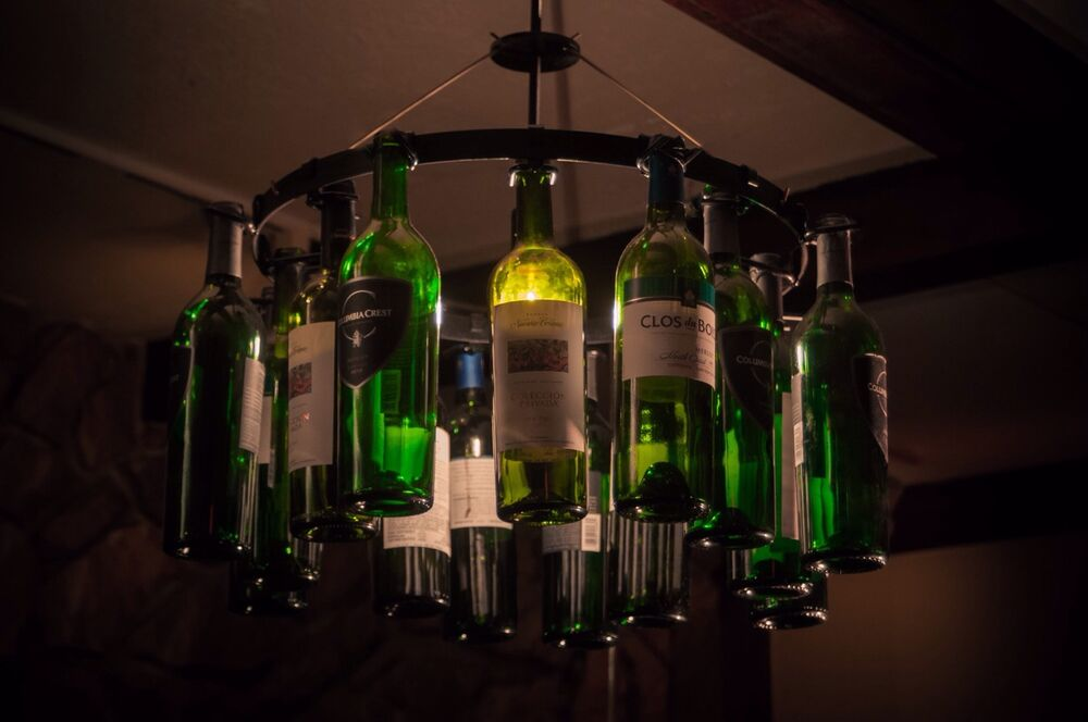 Wine bottle chandelier no wiring wine rack chain light lighting wine decor ebay - Wine bottle pendant light ...