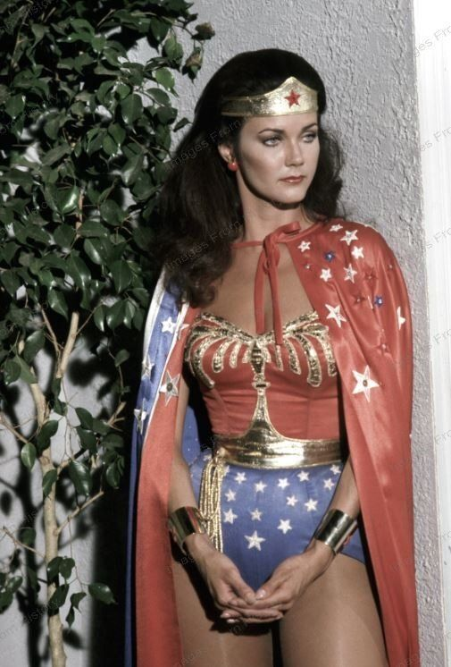 8x10 print lynda carter wonder woman 1975  28740lc