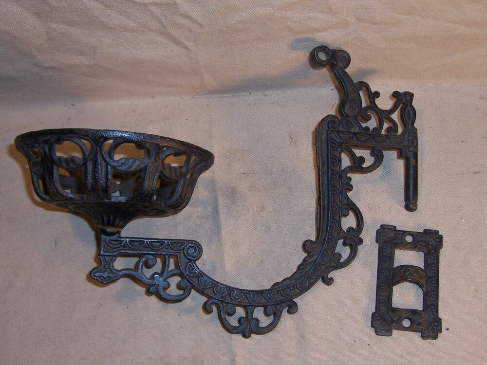 Wall Mounted Lamp Holder : Antique Kerosene Oil Lamp Holder Cast Iron Wall Mount Victorian Home Decor eBay