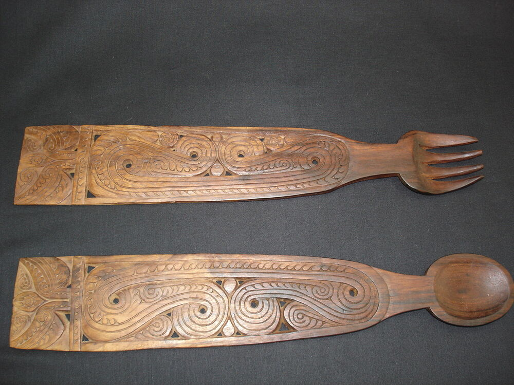 a handsomely carved wooden fork and spoon set from papua new guinea ebay. Black Bedroom Furniture Sets. Home Design Ideas