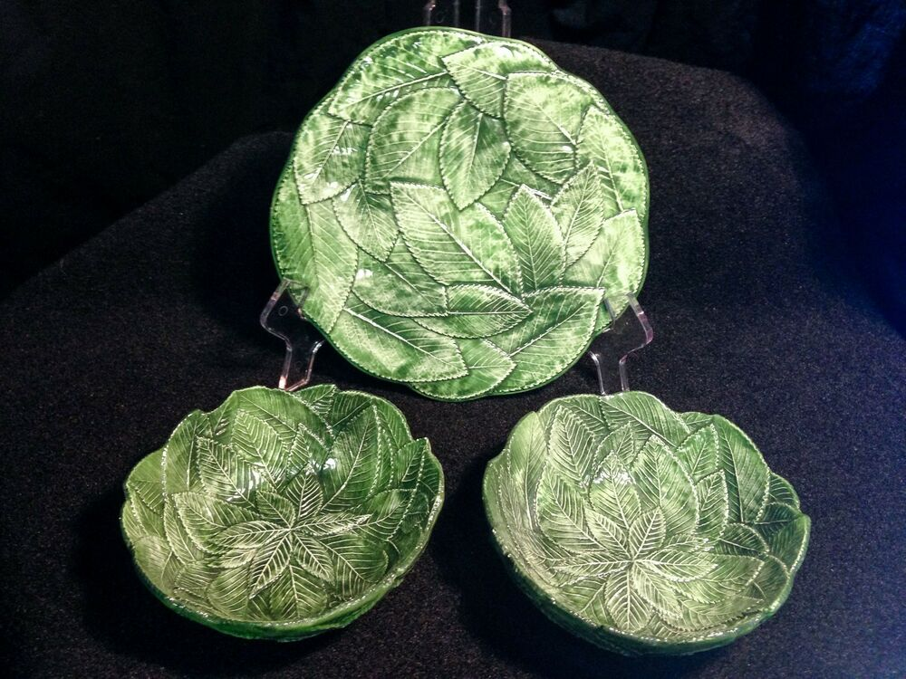 1960 s vintage italian green leaf majolica pottery plate for Green italy
