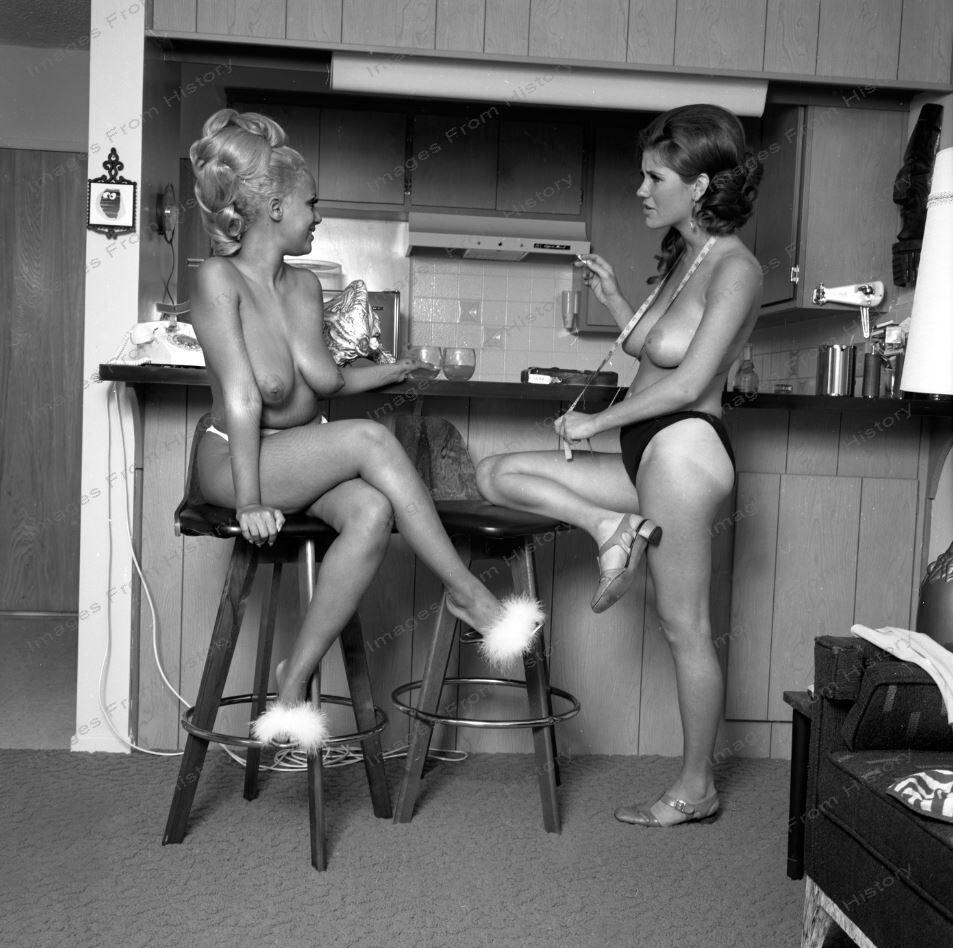 girls free pictures naked 1960s