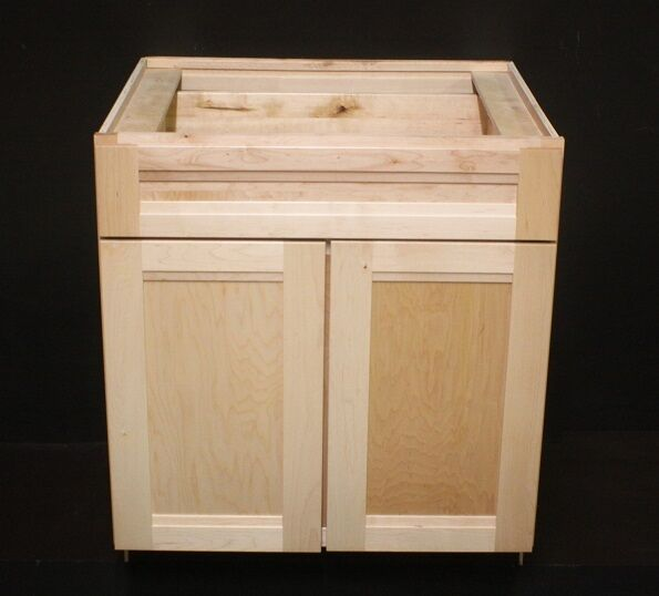 Kraftmaid natural maple kitchen base cabinet 30 x24 x34 for Kitchen base cabinets 700mm