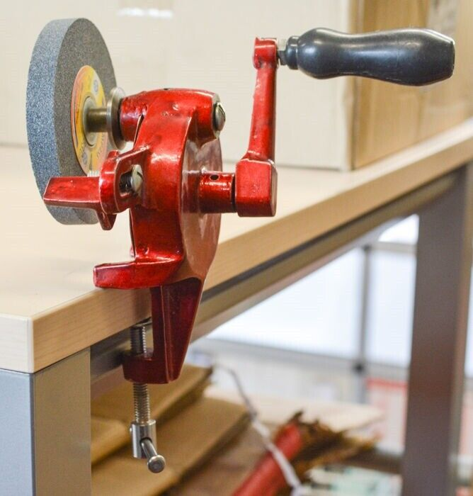 Hand operated grinder bench mount grind stone watchmakers jewelley craft tool ebay Watchmakers bench
