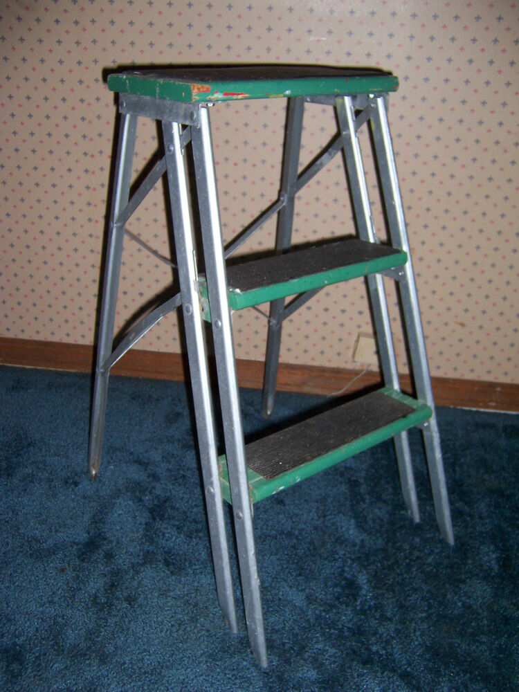 vintage metal wood 2 step folding step stool ebay. Black Bedroom Furniture Sets. Home Design Ideas