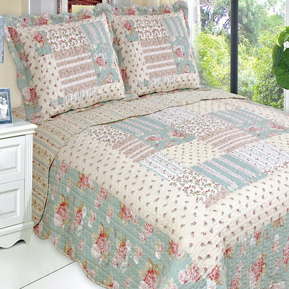 Country Cottage Floral Roses Patchwork Lightweight Quilt