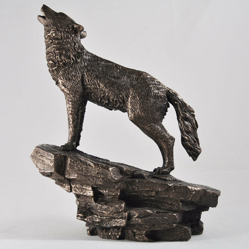Bronze Wolf Statue Howling Ornament Sculpture Woods