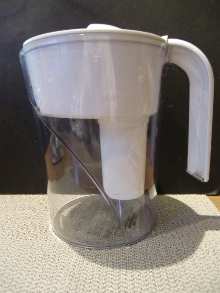 brita water pitcher white 6 cups classic model ob01 ob03 with filter ebay. Black Bedroom Furniture Sets. Home Design Ideas