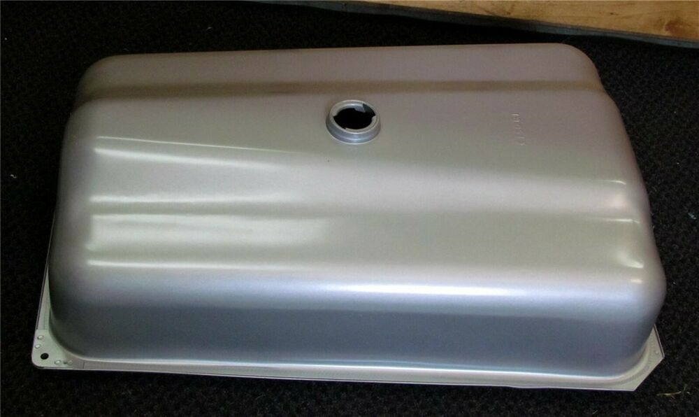 For Ford 2000 Tractor Gas Tank : Ford naa jubilee  cyl tractor gas